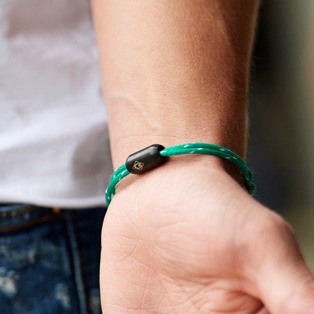 Armband aus fischernetz